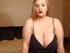 Webcam show for a cute white girl with a huge boobs