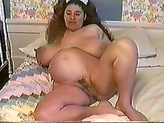 Honey Moons 9 Months Pregnant & Bustin