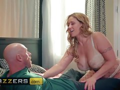 Chubby MILF Eva Notty On The Prowl for younger dick - Brazzers