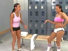Two hotties fucked in the gym