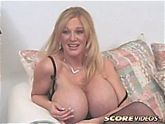 Very busty cougar Plenty Uptopp shows them off and gets fucked