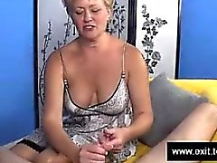 Swinger Mom Tracey milking strangers dick