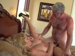 Blonde cougar likes to bang roughly