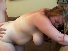 Fat girlfriend is hungry for hard dick