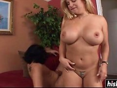 Hot chick satisfies a neighbor